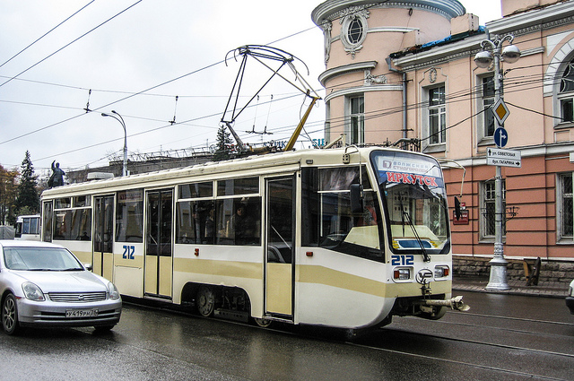 New tram in Irkutsk by Michael Chu is licensed under CC BY-NC-ND 2.0. https://flic.kr/p/5zcvtP
