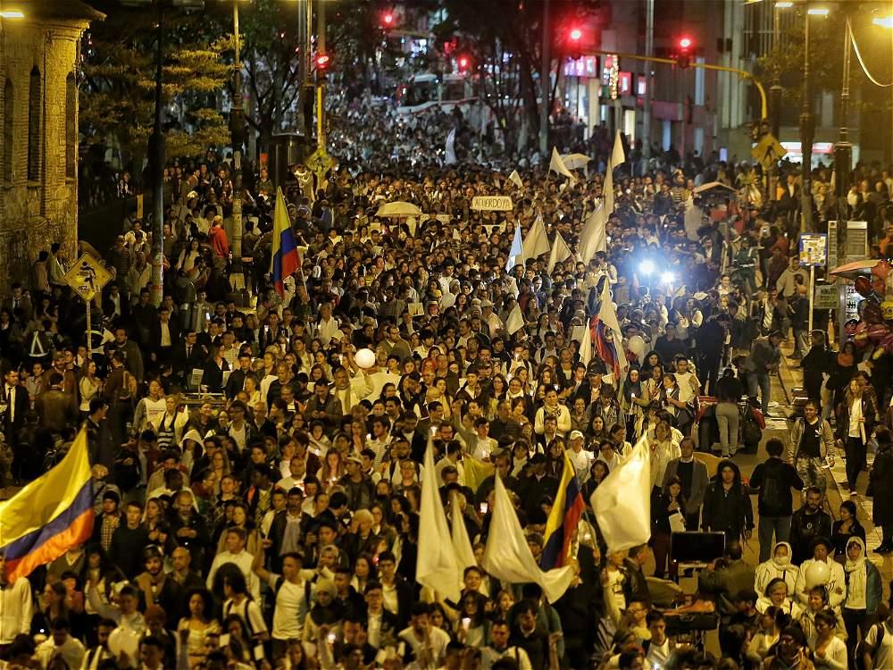 Citizen support to the Peace Process, October 4th 2016, Bogota, Colombia. Source: El Tiempo