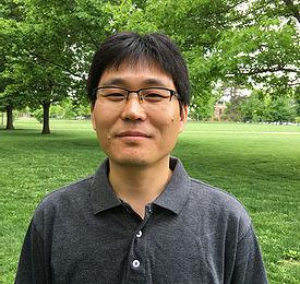 Head shot of Dr. Myung Ryul Lee.